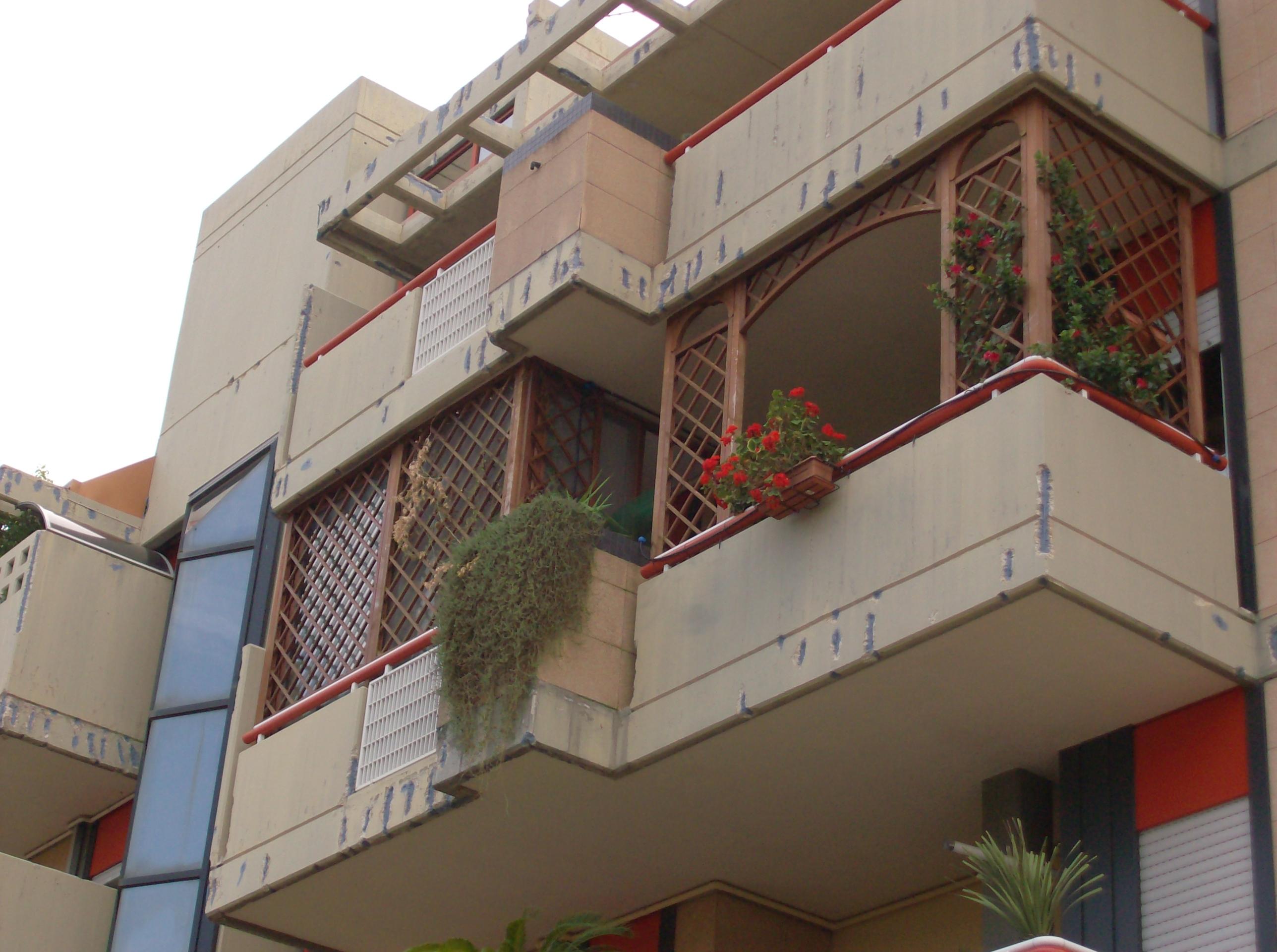Grigliati In Legno Per Balcone Prezzi Profilati Alluminio